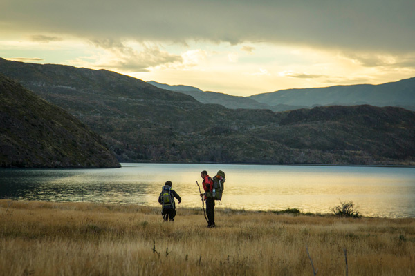 Backpackers-in-Torres-Del-Paine