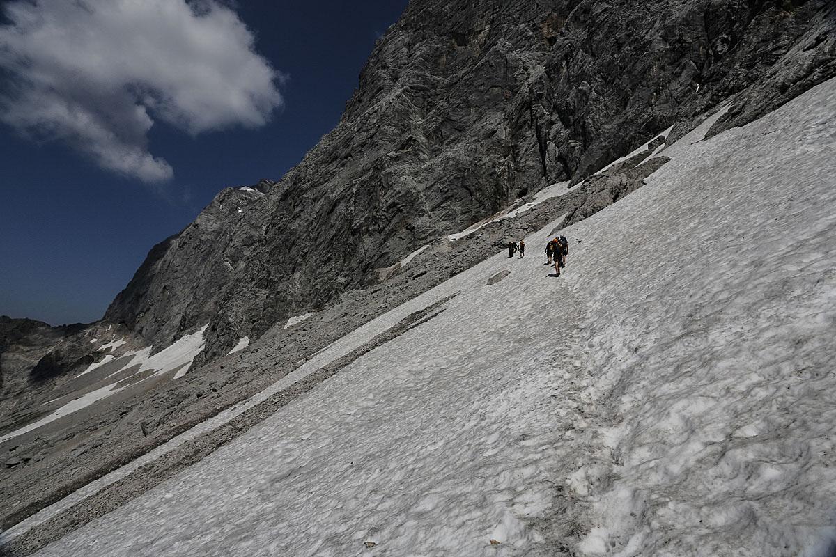 Glacier crossing between Anna and Johann on Klettersteig, via ferrata