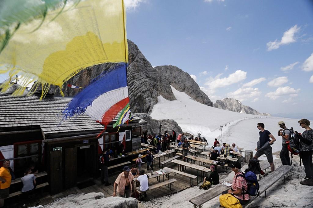 The refugio atop Dachstein.